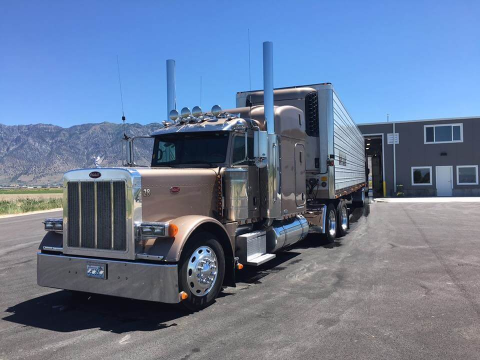 STS-Clean-Truck-At-Truck-Wash